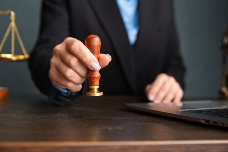 Адвокат по административным делам